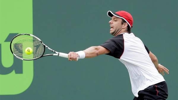 Horacio-Zeballos-Federer-Potro-AP_CLAIMA20160325_0235_28