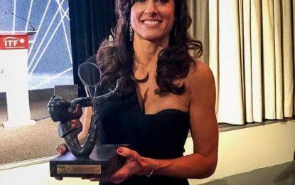 Gabriela Sabatini recibió el máximo galarón de la ITF en Paris