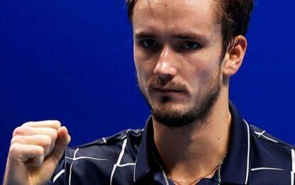 ATP Finals: Zverev venció a Schwartzman, Medveded a Djokovic y Zeballos con Granollers ganaron